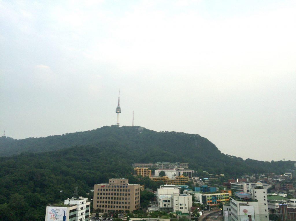 韓国旅行は、イビススタイルズのルーフトップバー