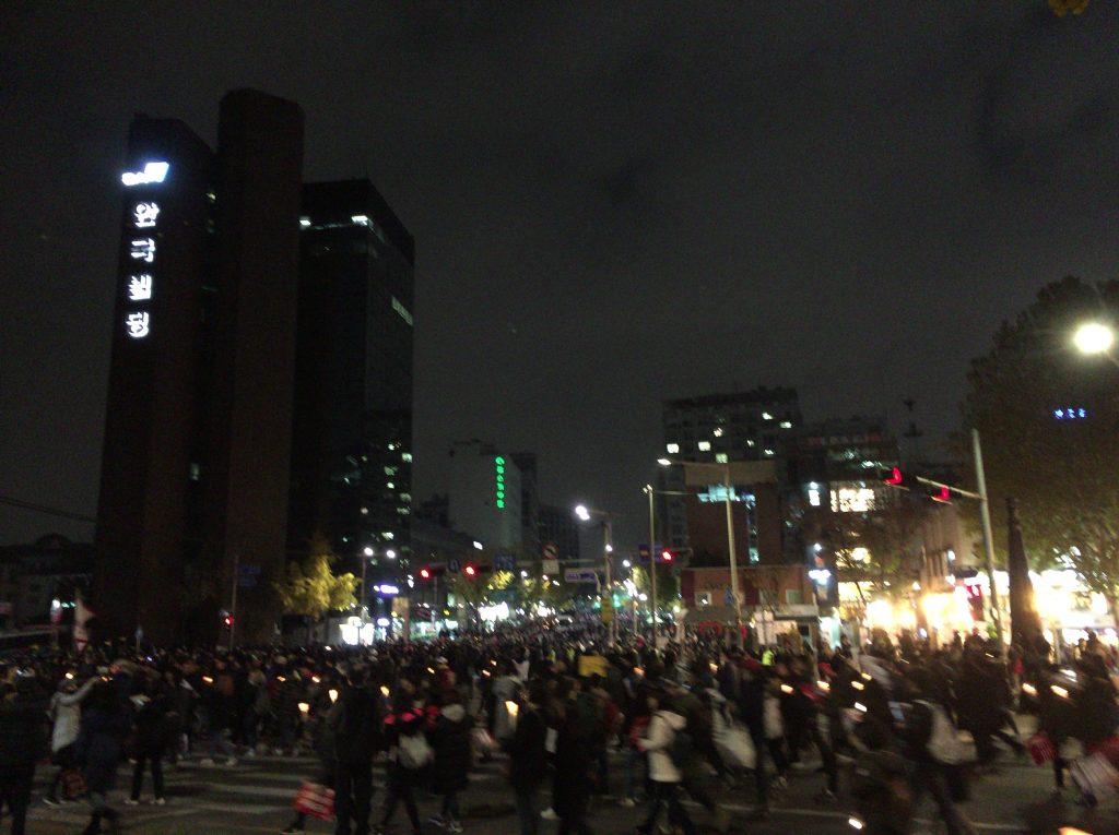 韓国ソウルでの朴槿恵大統領の退陣デモ